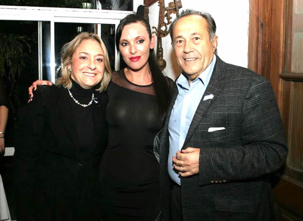 En Rosario, reunión con dirigentes locales junto a la Senadora y futura VicePresidente Sra Liliana Negre de Alonso. En la foto con la candida a Senadora Nacional Maria Luján Telpuk.