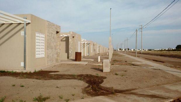 90 familias esperan que Rodríguez Saá los deje habitar las viviendas que les pertenecen.
