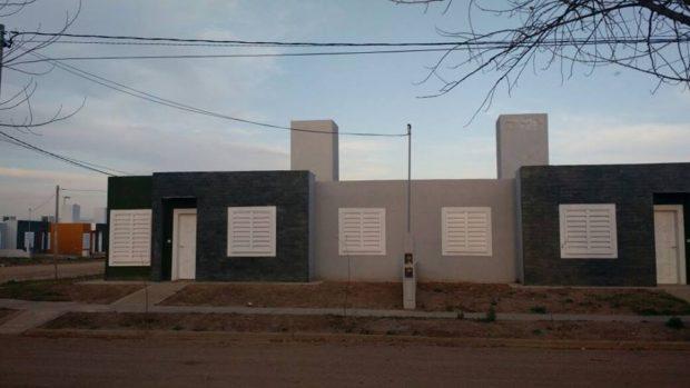 Como se observa en la imagen el barrio tiene todo listo, el cableado eléctrico y las terminaciones de las viviendas en óptimas condiciones. Rodríguez Saá no las quiere entregar.